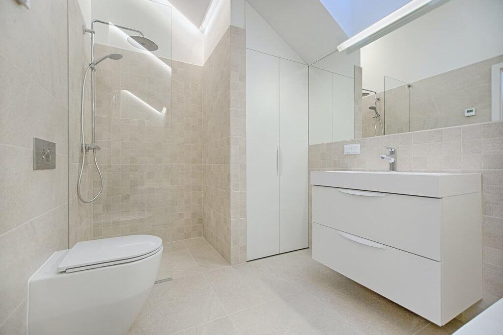 Die Weiterbildung für Anlagenmechaniker bietet eine gute Möglichkeit, sich auf die Badgestaltung zu spezialisieren.