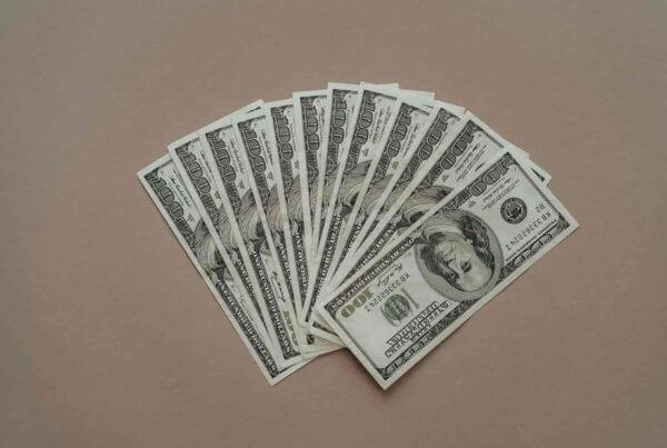 Das Finanzierungsleasing hilft dabei, das eigene Kapital zu schonen, aber dennoch Investitionen tätigen zu können.